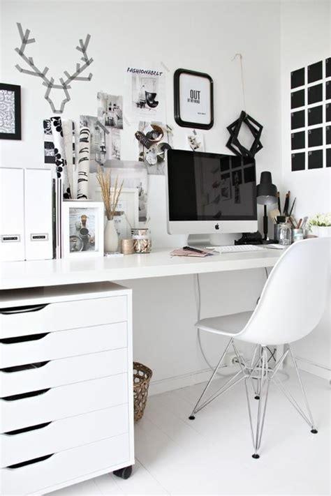 petit bureau ikea comment décorer un bureau laqué blanc 61 photos