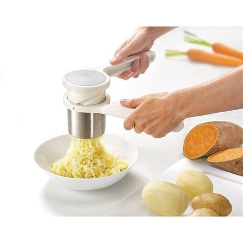 ustensiles de cuisine joseph presse purée helix joseph joseph presse purées et