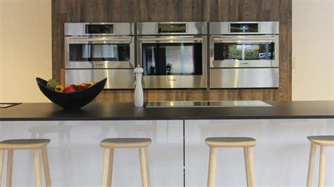 santos cuisine schaller designers installe une cuisine avec îlot santos