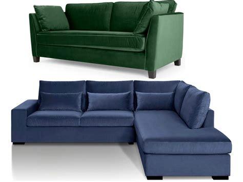 canapé pour salon canapé en velours entre vert et bleu notre cœur balance