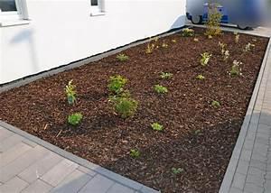 Vorgarten Mit Rindenmulch Gestalten : vorgarten pflanzen vervollst ndigt und gemulcht heim am main ~ Whattoseeinmadrid.com Haus und Dekorationen