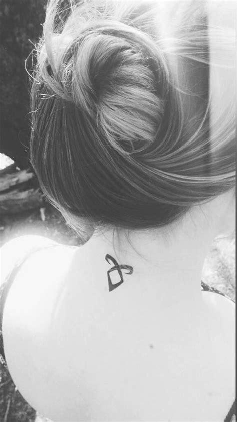 Tattoos on neck | Engelsymbole, Runen, Shadowhunter tattoo