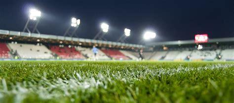Fußballplatz Beleuchtung HQI, HQL auf LED umstellen!