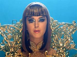 Katy Perry Premieres Dark Horse Music Video—Watch Now! | E ...