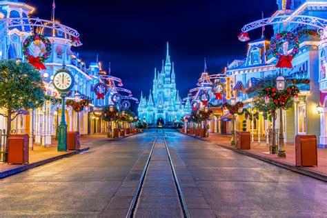 Anaheim Disneyland Disneyland Californian Hotel Spa Resort Foundtheworld