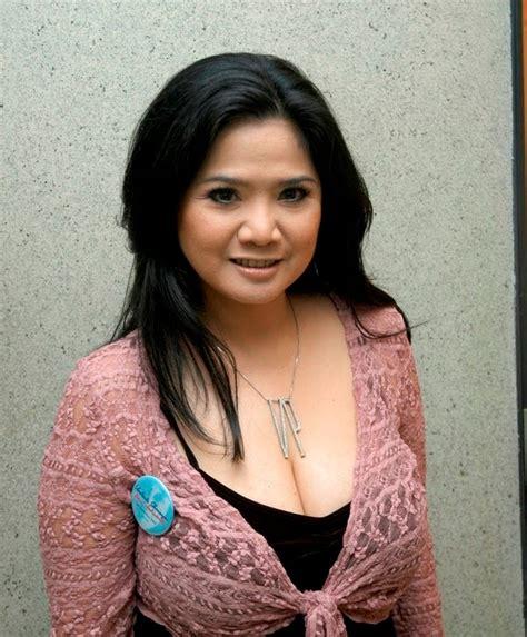 New Artis Topless Toket Gede Tante Vina Panduwinata Sexy Ml