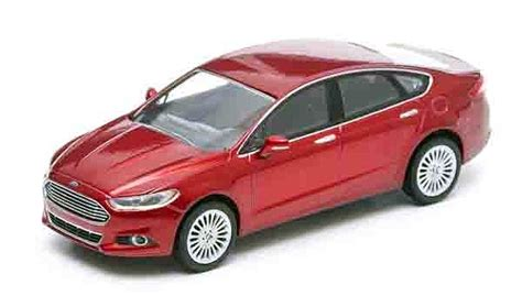 masshtabnaya model  ford fusion usa mondeo eur