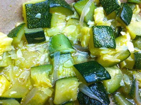 cuisiner une courgette recette courgette à l 39 étouffée