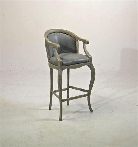 chaise pour table haute chaise haute tsarine avec accoudoirs pour table haute h 110cm assise h 70cm provence et fils