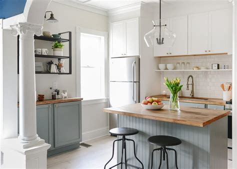 100 year old home gets a 3 Day Kitchen Makeover for less