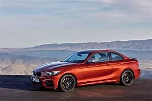 Serie 2 Coupe : world premiere bmw 2 series coupe and convertible facelift ~ Maxctalentgroup.com Avis de Voitures