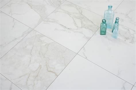 calacatta 18x18 porcelain tiles at mission tile