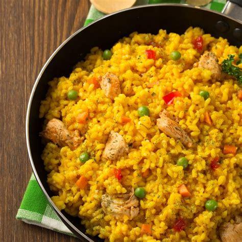 recette de cuisine en espagnol recette riz au poulet et petit pois aromatisé au safran