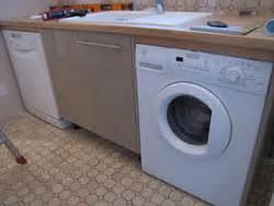 lave linge dans la cuisine comment placer un lave vaisselle et un lave linge dans une cuisine