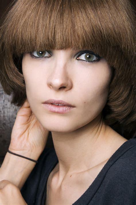 Comment maquiller des yeux bleus ? Femme Actuelle Le MAG