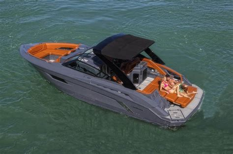 Cruiser Boats For Sale In Miami by Cruisers 328 Bowrider South Edition Our Yachts