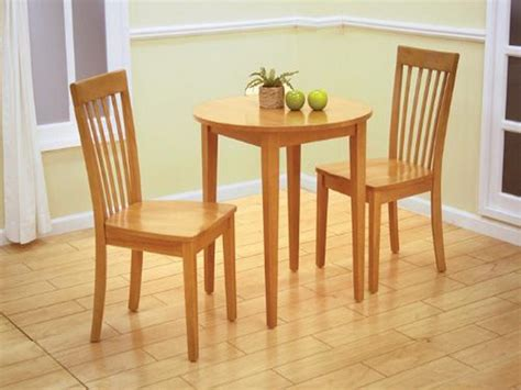craftman dinette decor with small round natural wooden