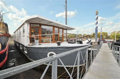 House Boat For Sale London by 4 Bedroom Flat For Sale In Houseboat Lightermans Walk