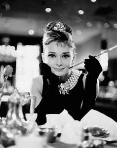 Audrey Hepburn Poster : audrey hepburn breakfast at tiffany 39 s poster sold at ukposters ~ Eleganceandgraceweddings.com Haus und Dekorationen
