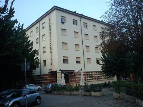 Ingresso Terme Acqui Acqui Terme Foto S Getoonde Afbeeldingen Acqui Terme