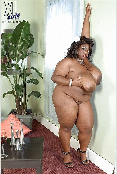 Fat black woman with big tits Simone Fox masturbating and spreading her hot pussy - PornPics.com