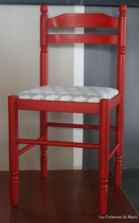 recouvrir une chaise en paille relooker une chaise en paille les créations de