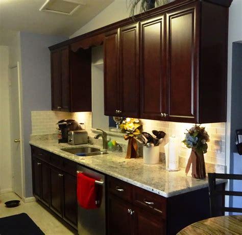 cuisine en orange cuisine meuble cuisine orange chaios armoire de cuisine