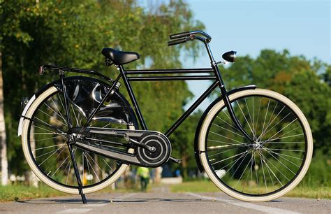 Dutch Roadster Bicycle