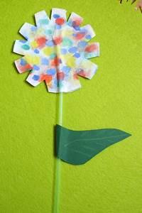 Blumen Basteln Kinder : basteln zum fr hling kinderspiele ~ Frokenaadalensverden.com Haus und Dekorationen