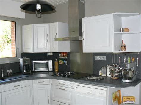 repeindre un meuble cuisine customiser cuisine en bois relooker des meubles de