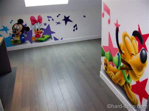 chambre de bébé disney décors sur le thème des personnages bébés disney