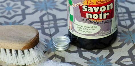 savon noir pour carrelage 12 astuces pour nettoyer les joints de carrelage de salle de bain