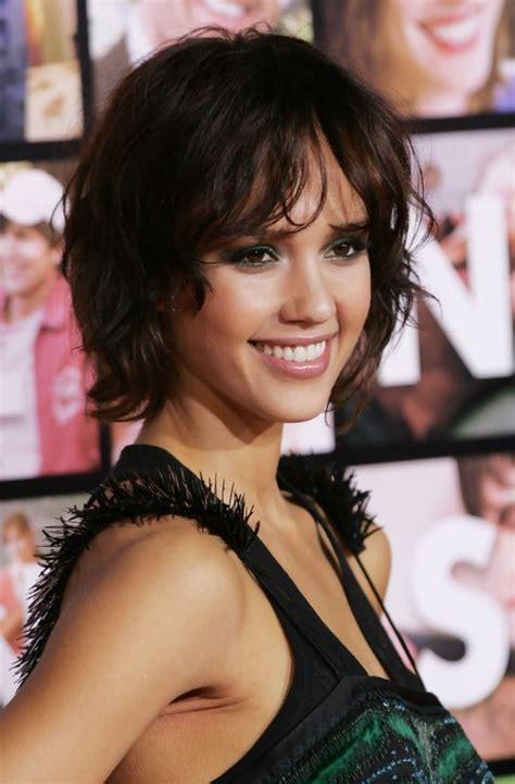 jessica alba layered short hairstyle hairstyles weekly