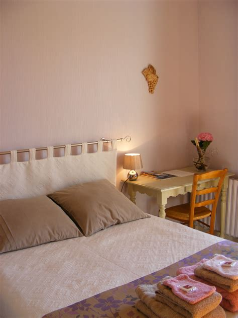 laguiole chambres d hotes chambres d 39 hôtes vignes et loire oree d 39 anjou office de
