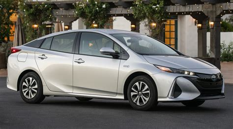 Cost Of Toyota Prius by Why You Should Skip The Toyota Prius For The Prius Prime