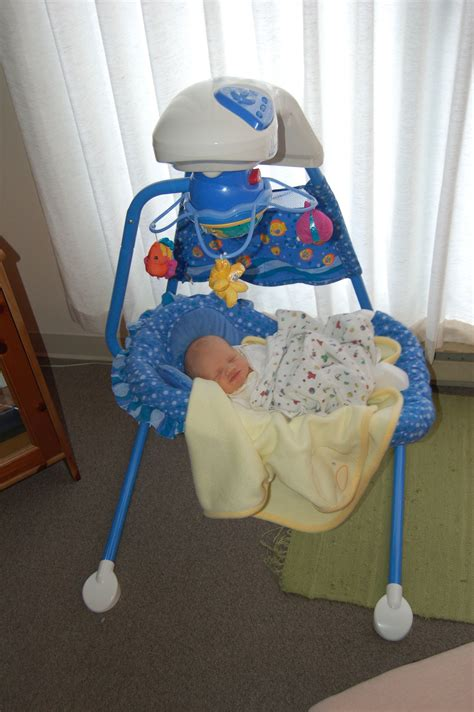 Fisher Price Aquarium Cradle Swing Review The Fussy Baby
