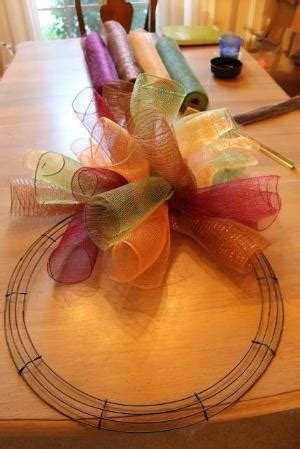 Miss Kopy Kat How To Make A Curly Deco Mesh Wreath