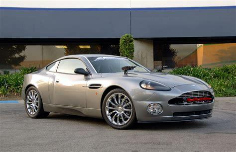 Aston Martin Vanquish James Bond Replica: 100000 Dollars
