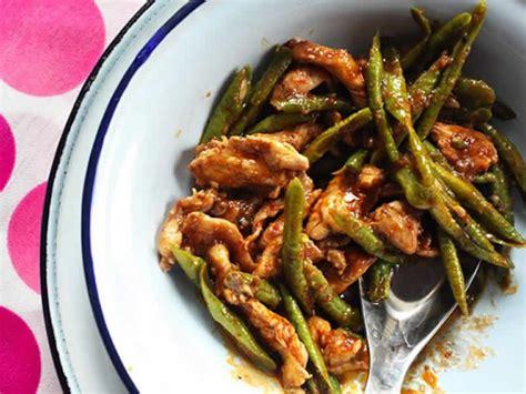 cuisiner des haricots plats poulet aux haricots verts au cookeo votre plat principal