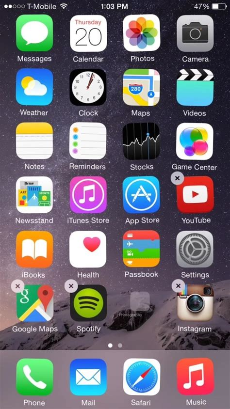iphone screen glitching out ios 8 glitch lets you hide stock apps without jailbreaking