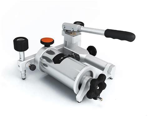 Pneumatic Hand Pump 25 Bar