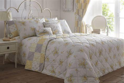 Lemon Reversible Patchwork Floral Duvet Cover Easy Care