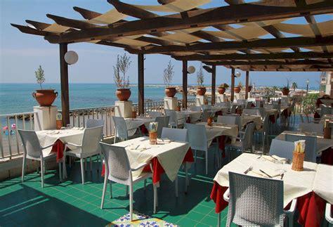hotel il gabbiano scoglitti hotel al gabbiano sul mare a scoglitti a partire da 70