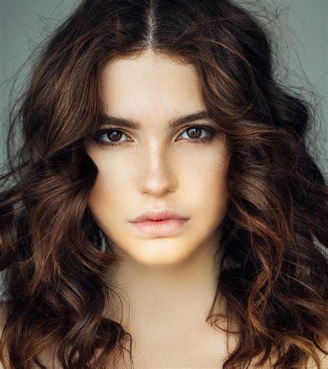 trendy medium layered hairstyles    flaunt