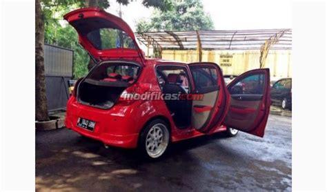 Modifikasi Hyundai I20 by Hyundai I20 M T Merah 2012