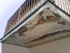 Balkon Fliesen Wasserdicht Versiegeln : balkon abdichten streichen wasserdicht versiegeln balkonbeschichtung ~ Frokenaadalensverden.com Haus und Dekorationen