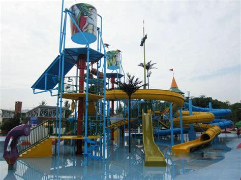 jeu de chambre parc aquatique extérieur de terrain de jeu de jeux de l