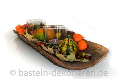 Herbstdekoration Selber Machen by Herbstdekoration Auf Rinde Basteln Und Dekorieren