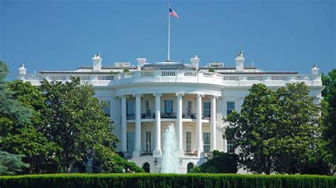 White House Hope Hicks Legs