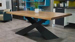 Table Bois Massif Contemporaine : showroom cuisiniste ancenis nantes riaill ~ Teatrodelosmanantiales.com Idées de Décoration